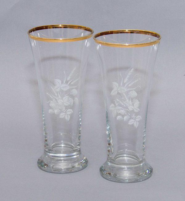 gilt rimmed flared top glasses with a white wheat and leaf pattern., Kitsch Mid Century gild rim white wheat leaf pattern glasses lager beer water fruit juice pair 2