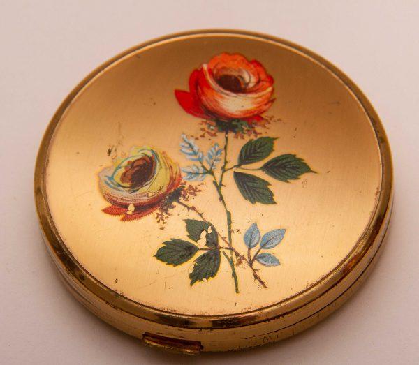 MELISSA Vintage powder vanity mirror compact, MELISSA Vintage powder vanity mirror compact gold tone painted Floral Flowers Roses lid