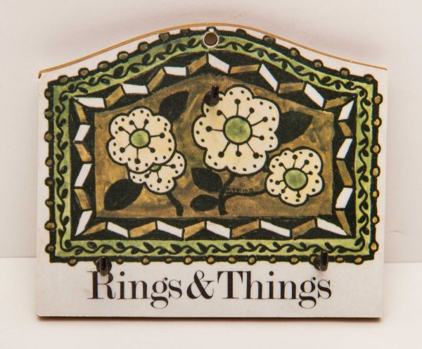 Taunton Vale, Taunton Vale melamine floral green flowers pattern Rings & Things small wall hook rack with 3 hooks vintage home decor 1975