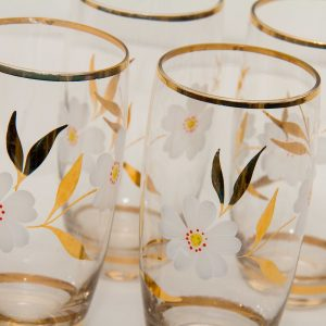 White & gold floral flower pattern gold rim tumblers glasses set of 4 Mid Century glass vintage drinkware