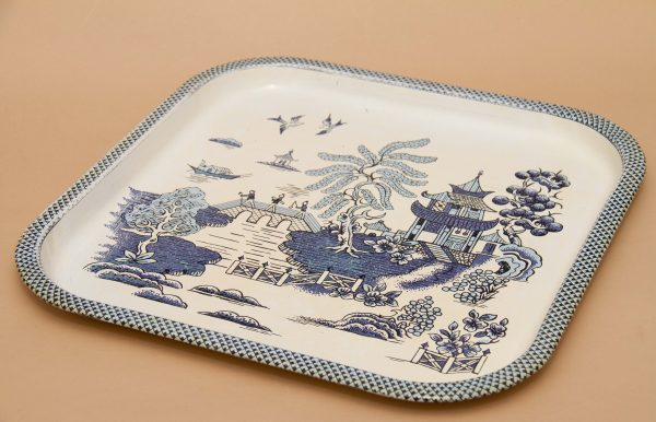 Baret Ware Vintage Willow Pattern Metal Tray, Baret Ware Vintage Willow Pattern Metal Tray Blue and White
