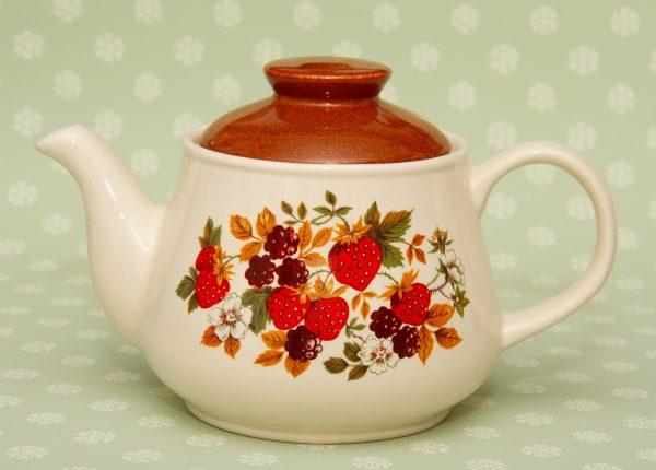 Sadler Strawberry Teapot 1970's, Sadler Strawberry Teapot 1970's Vintage Fruit Pattern English Pottery