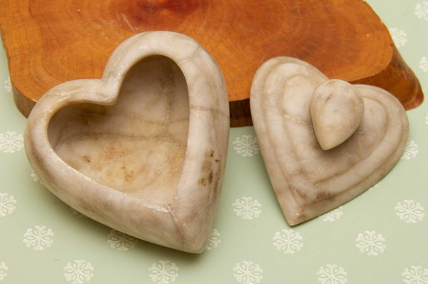 Alabaster heart Trinket Box, Alabaster Heart Shape Trinket Box Hand Crafted By Egbert Hamilton – Jamaica